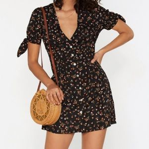 Floral Button Down Dress 💫